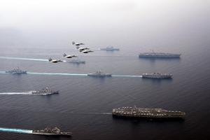 海自、米空母と共同訓練