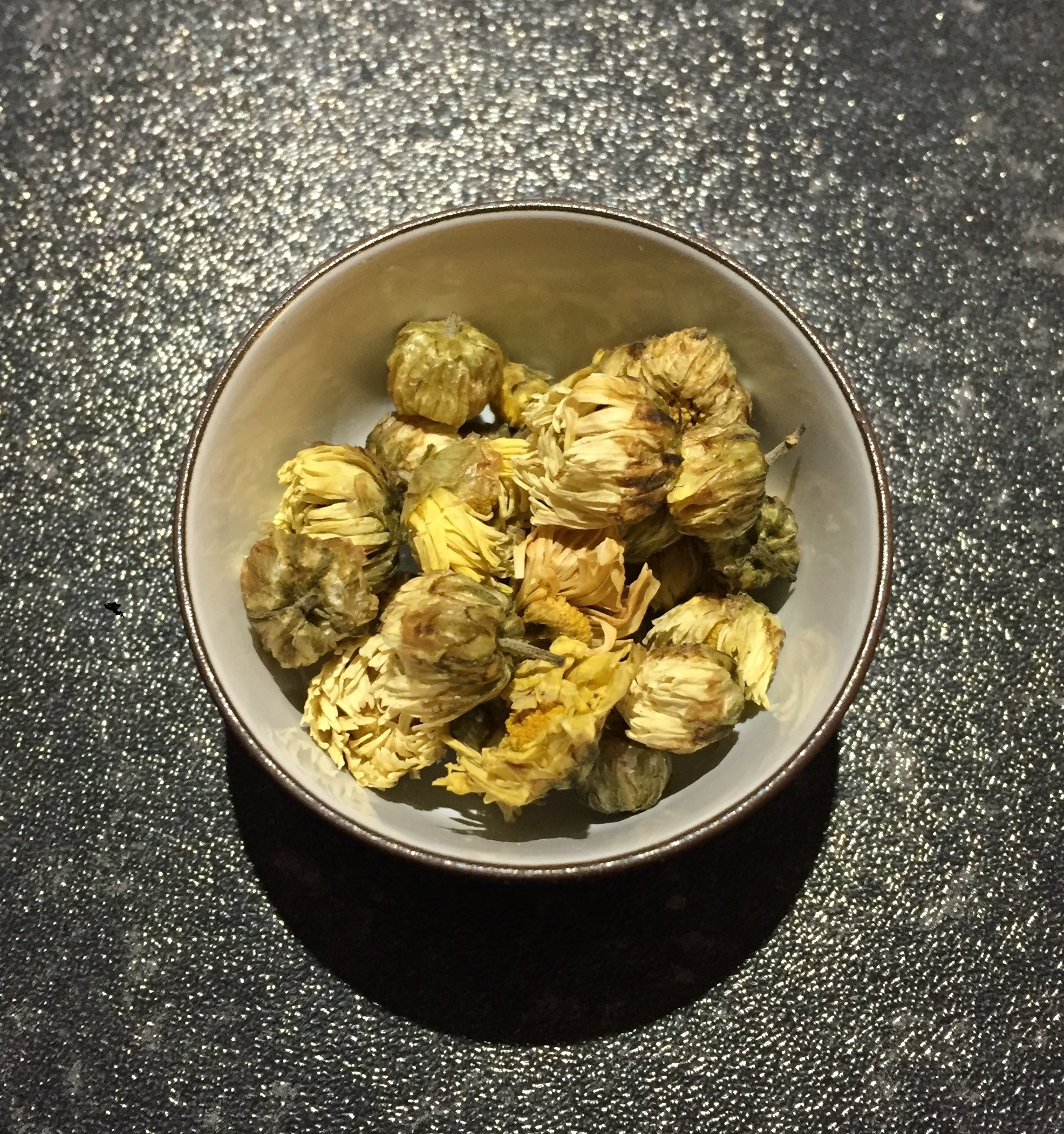 chrysanthemum-tea-dry.jpg
