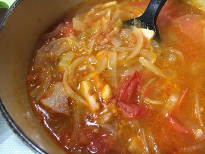 フレッシュトマトのコンソメスープ