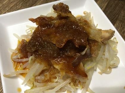 茹でもやしのカリカリ豚のせおろしポン酢