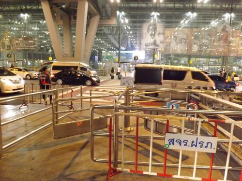 スワンナプーム国際空港 出発フロア 回転ゲート