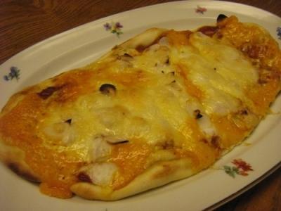 フグの白子ピザ