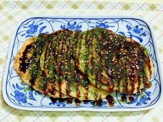 170512_4639 財田さんの料理・ミニお好み焼き3枚VGA