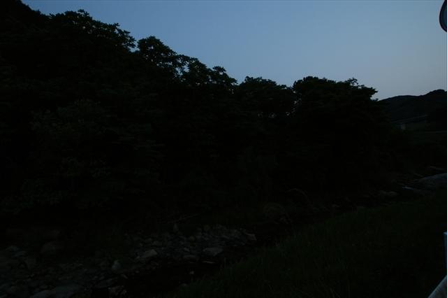 祓川で蛍撮影-1