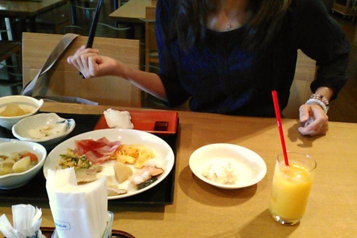 朝食は和食ジーマミー豆腐