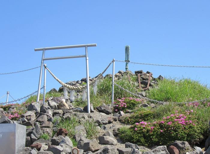 高千穂の峰 頂上に剣が立っています 29.6.3