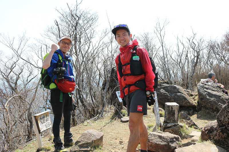 IMG0884JPG若者の登山スタイル