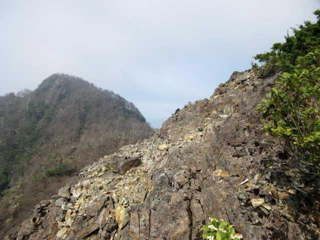 IMG0802JPG岩稜より北日隠山