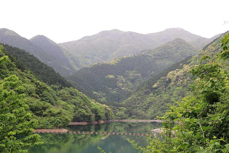IMG1070JPG鱒淵ダムから福智山