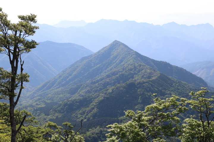 IMG1579JPG昼から登る刈又山