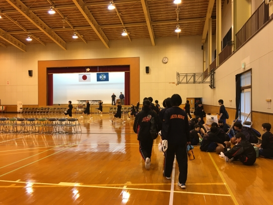 中バス練習試合 006