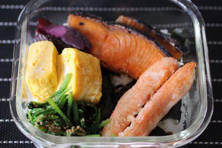 鮭海苔弁当
