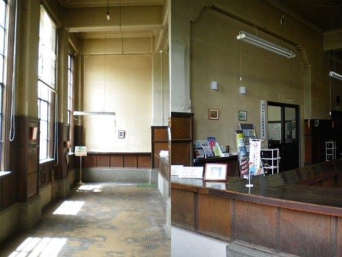 旧岡谷市役所・1F