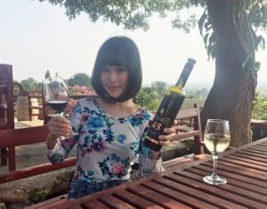 red_mountain_wine_nyaungshwe05.jpg