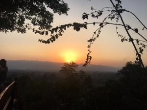 red_mountain_wine_nyaungshwe07.jpg