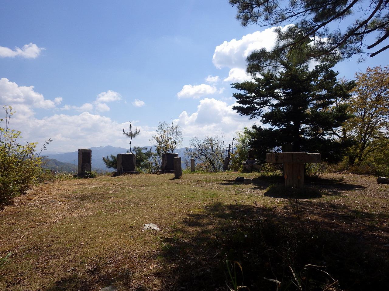杣山本丸跡