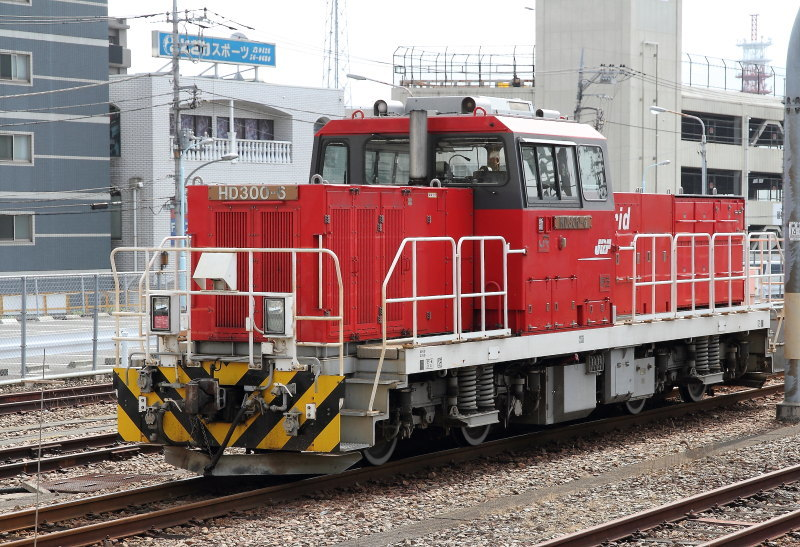 D1607_2411_HD300-6_HACHIOUJI.jpg