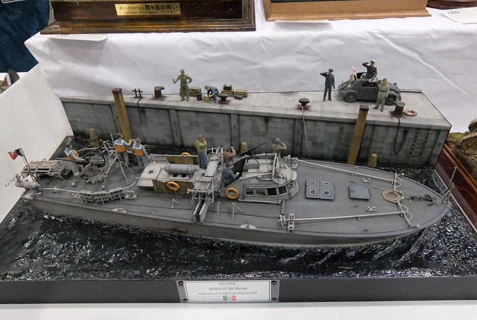 4404 イタリア魚雷艇 960×645