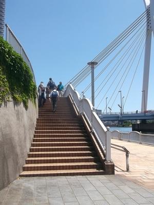 keDSCF6666検潮所と宙づり橋