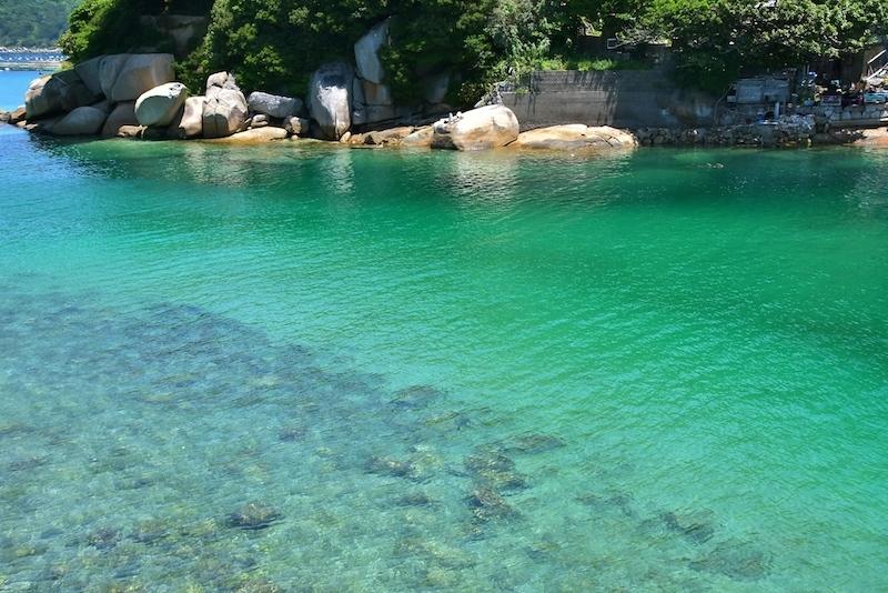 エメラルドグリーンの海を探して…