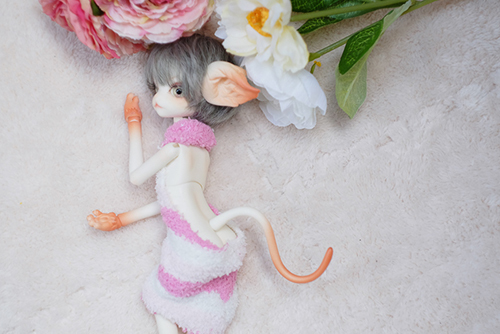 DOLLZONE・Miss Kittyのジーナに、童貞を殺すセーターを作って着せてみました