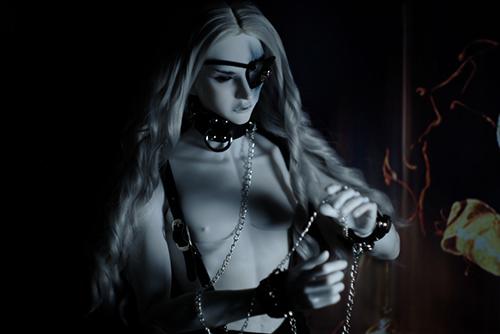 Ring doll、杉苔の空さんにメイクして頂いた、ゾンビヘッド・KaneのKarma。Cafe'Antique様の拘束具を身につけて。