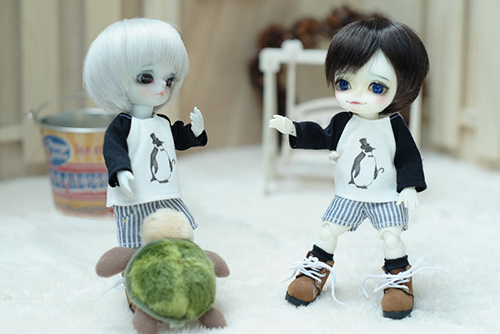 WITHDOLL、Happy Ending Story - Wolf Rudyのルディと、WITHDOLL、Halloween Limited Edition / Black Cat / Butler Pookyのキオ。新しいオトモダチを迎えました。