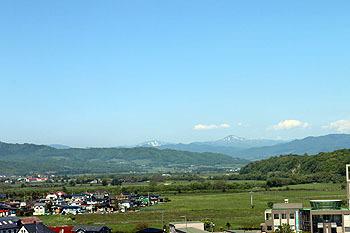 20170606_レ・コード館優駿の塔より幌尻岳