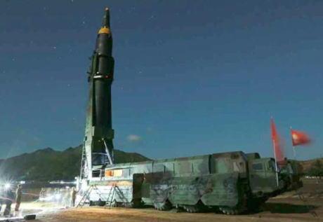 北朝鮮 金正恩 火星12 ミサイル 弾道ミサイル 核