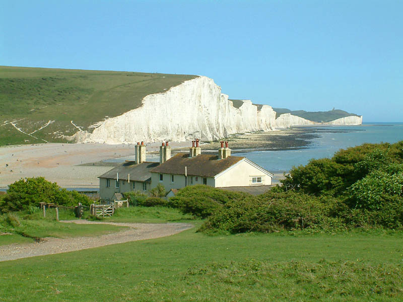 Seven_Sisters_cliffs_and_the_coastguard_cottages,_from_Seaford_Head_showing_Cuckmere_Haven