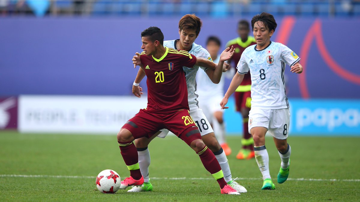 VEN 0-0 JPN A quick and open game so far produces chances, but no goals yet, in Daejeon