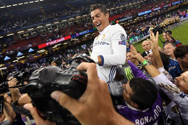 Juventus-v-Real-Madrid-UEFA-Champions-League-Final Ronaldo is thrown into the air by his teammates