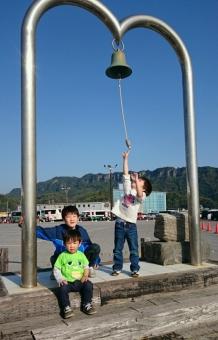 金谷港の鐘