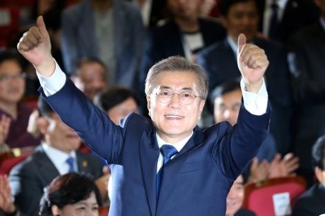 韓国に文在虎大統領誕生