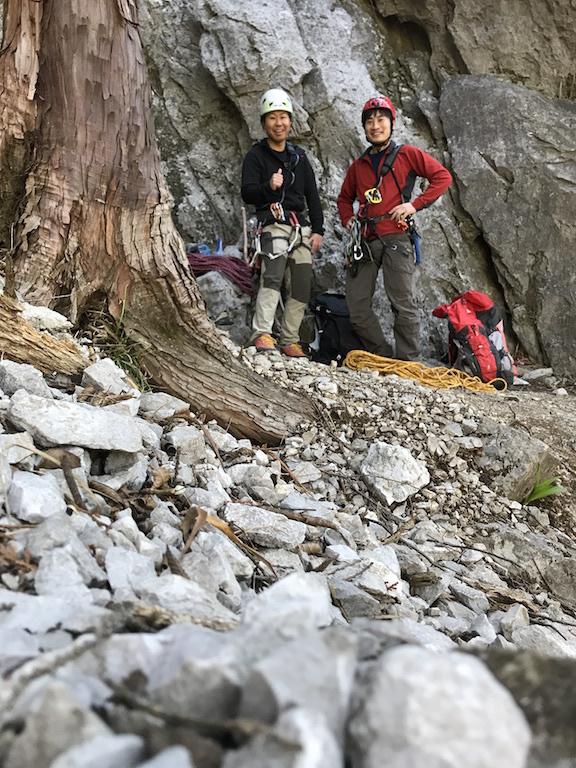 登り始め、ニコニコです!