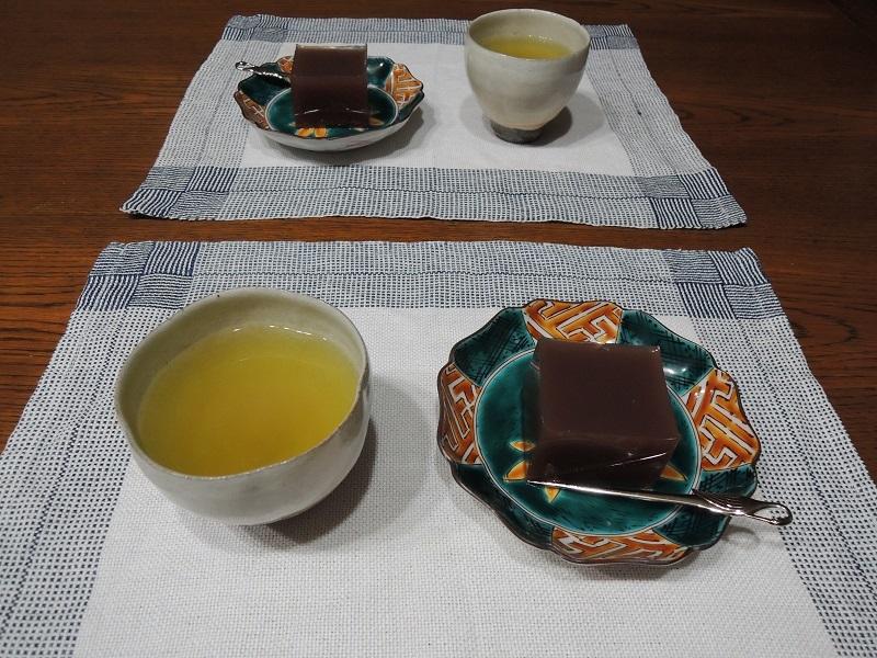 緑茶と一緒に
