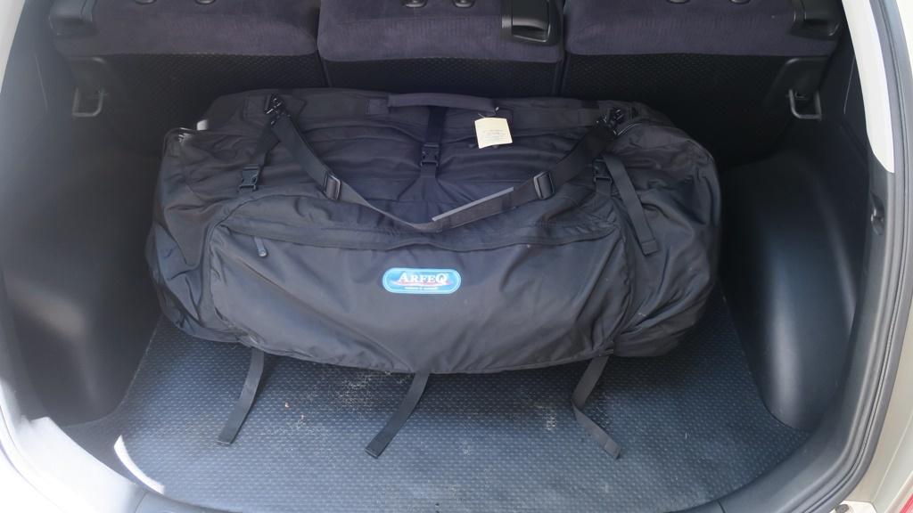 trunk_with_kayak1.jpg