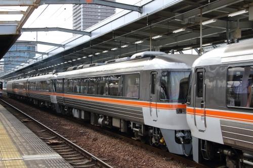 ひだ 先頭車3両 岐阜駅