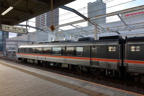 ひだ36号 岐阜駅