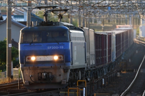 EF210-19 5070レ