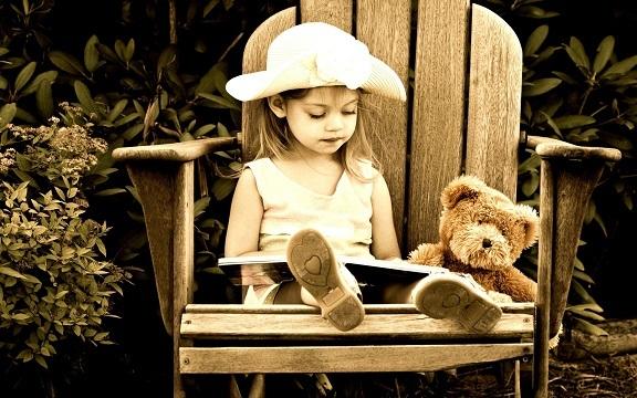 読書 女の子 2