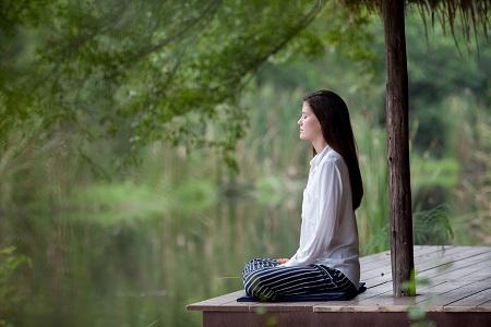 座禅 修行 女性 1