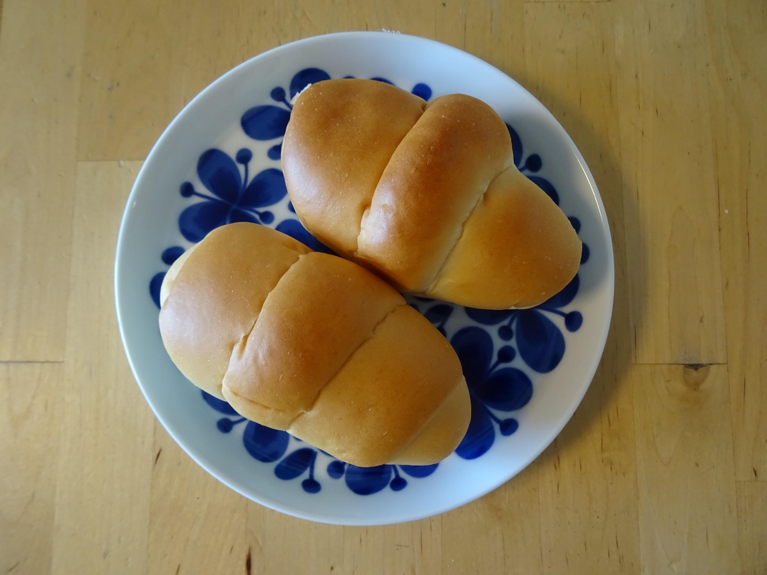 ペリカンのロールパン