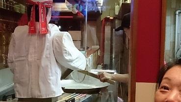 刀削麺の職人さん