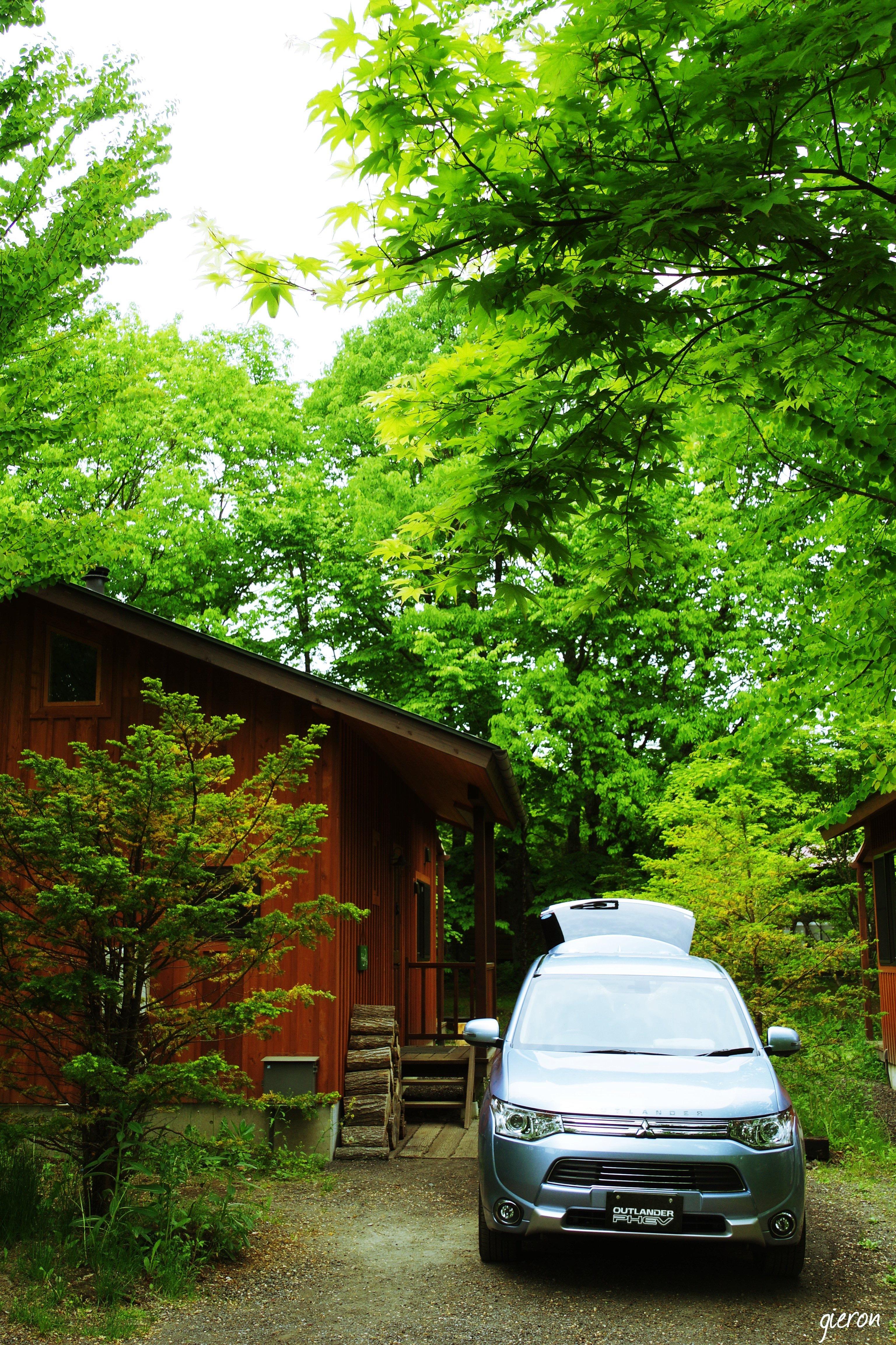 北軽井沢 スウィートグラスキャンプ場 クルマの撮影スポット アウトランダーPHEV