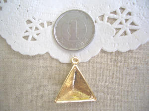 ミール皿:三角錐