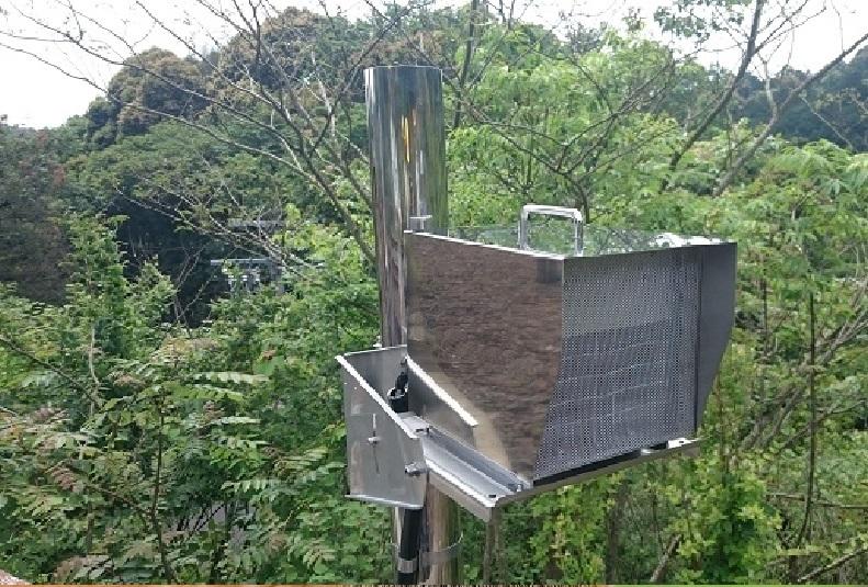奈良の鹿1超音波による鳥獣対策装置