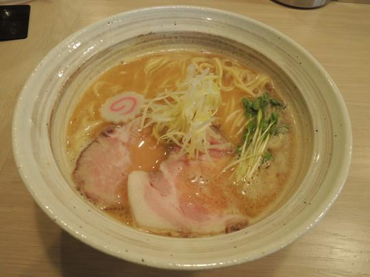 魚介鶏そば(醤油)(780円)