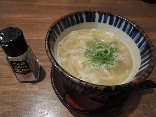 濃厚鳥白湯ラーメン(303円)