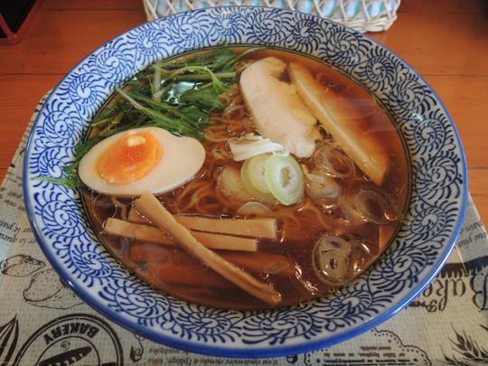 鶏だし中華そば(醤油味)(650円)